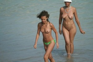 beaches nude girls