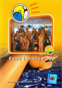 Funny Bowling Day-Family Naturism  家族の裸体