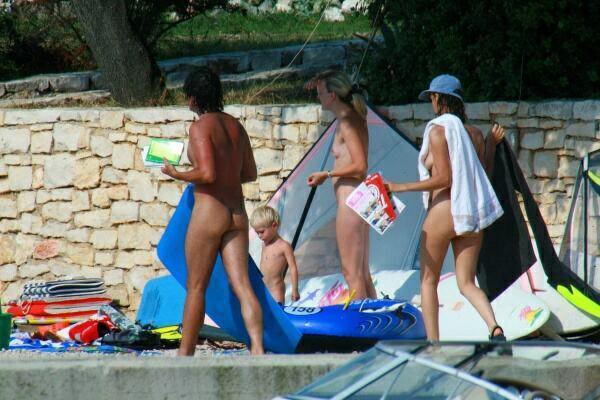 PureNudism – Nudist Beach Pictures FNB Set10  ヌーディストビーチの写真