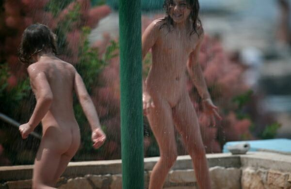 PureNudism – Water Locations Nudist Family Pictures Set3  ヌーディストの家族の写真