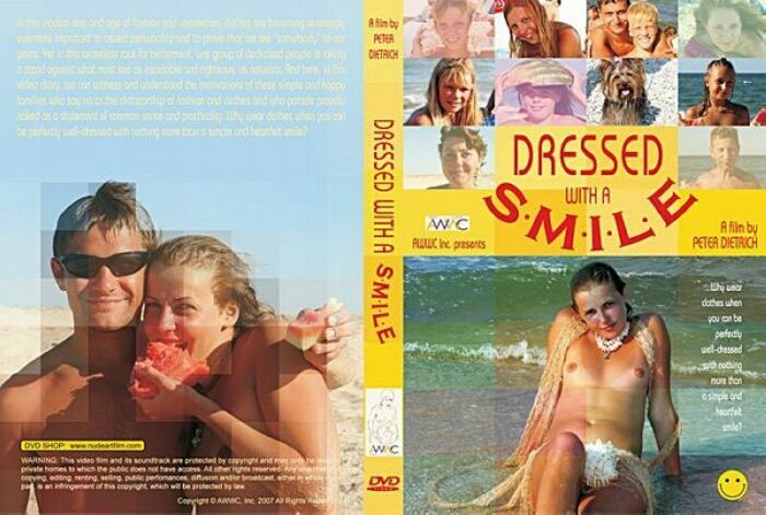 Dressed with a Smil-Family Naturism 家族の裸体