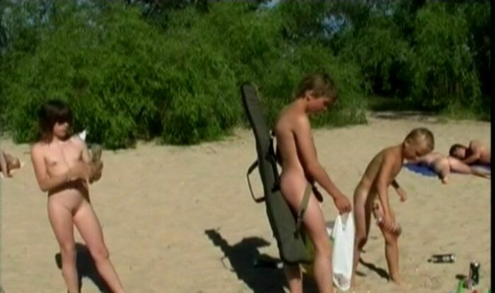 Naked Shoot Out-Family Naturism [Purenudism Video HD] 家族の裸体