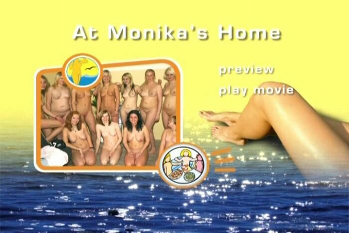 At Monika's Home-Family Naturism  モニカの家 - 家族の裸体で
