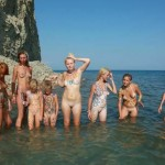 NEW!!! PureNudism 2013-Naturist Family Events Picture [Wading Shallow Waters Series]  浅瀬を渡る