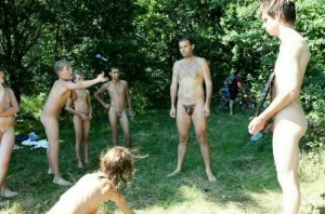 family nudist gallery
