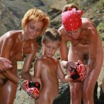 Purenudism family pics gallery – Boxing on a beach naturist [set2]
