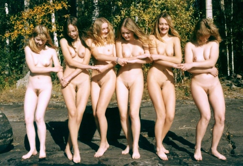 young-nudists-on-vacation-retro-collection-of-naturist-photos